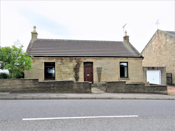 'Tavares' 16 Maddiston Road, Brightons FK2 0JP-sold december 2020